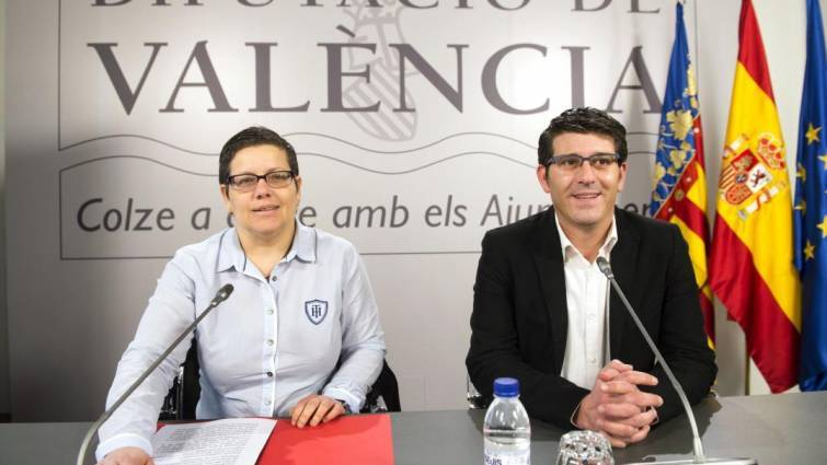 La diputada de Deportes, Isabel García, y el entonces presidente de la Diputación, Jorge Rodríguez. Foto: Diputación de Valencia