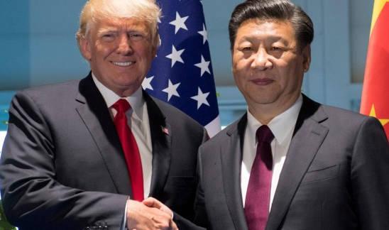 Donald Trump (i.) y su homólogo chino Xi Jinping