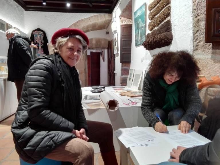 Rosalía Torrent -derecha- y Ana Ballester -izquierda- en la cesión de las obras de la familía Renau-Ballester