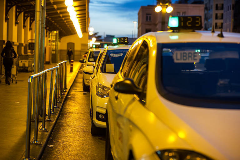 Cambios En El Taxi Horario Máximo De 16 Horas Y Subidas De