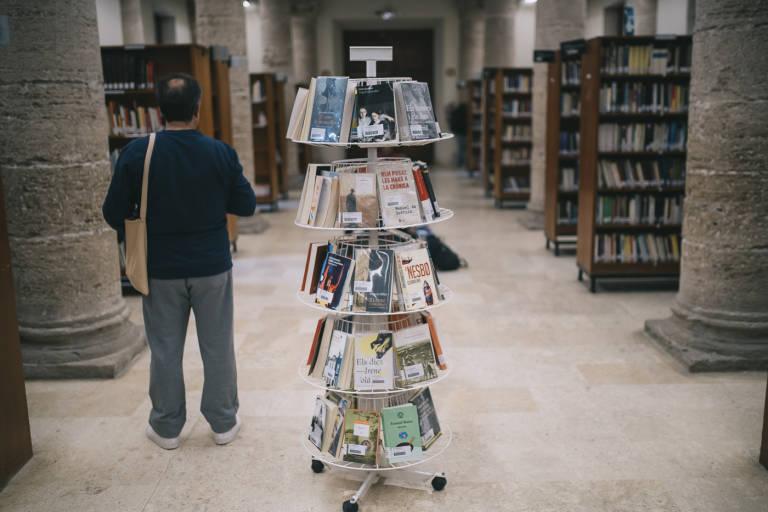 No solo libros: las bibliotecas alzan la voz y exigen que les des un poco de cariño