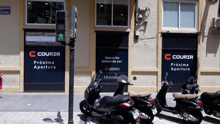 Matemático Elocuente difícil  Nuevo inquilino en Colón: la cadena de 'sneakers' Courir abre en la ciudad  - Valencia Plaza