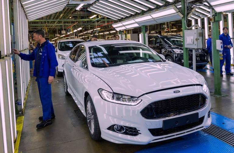 Recortará Ford a 12 mil empleos en Europa