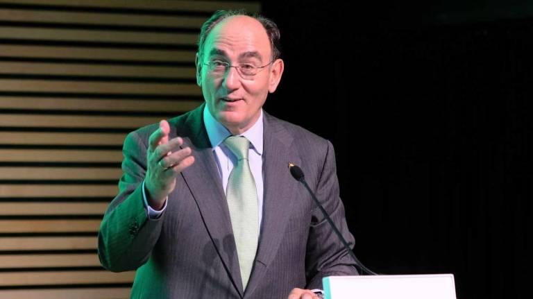 Iberdrola gana un 17% más y mejora previsiones