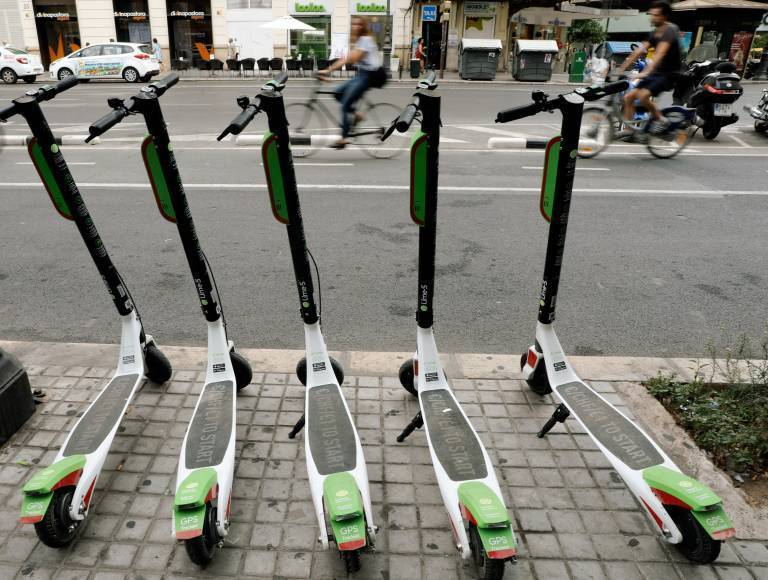 Patinetes eléctricos de 'sharing' en València. Foto: VP.