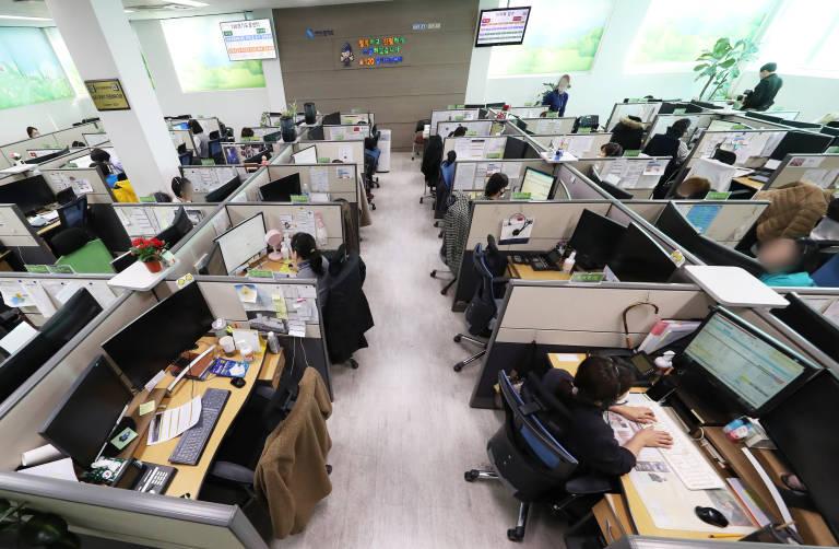 https://valenciaplaza.com/public/Image/2020/4/corea-trabajadores_NoticiaAmpliada.jpg