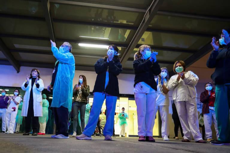 Personal sanitario en el hospital La Fe. Foto: Iván Terrón / Europa Press