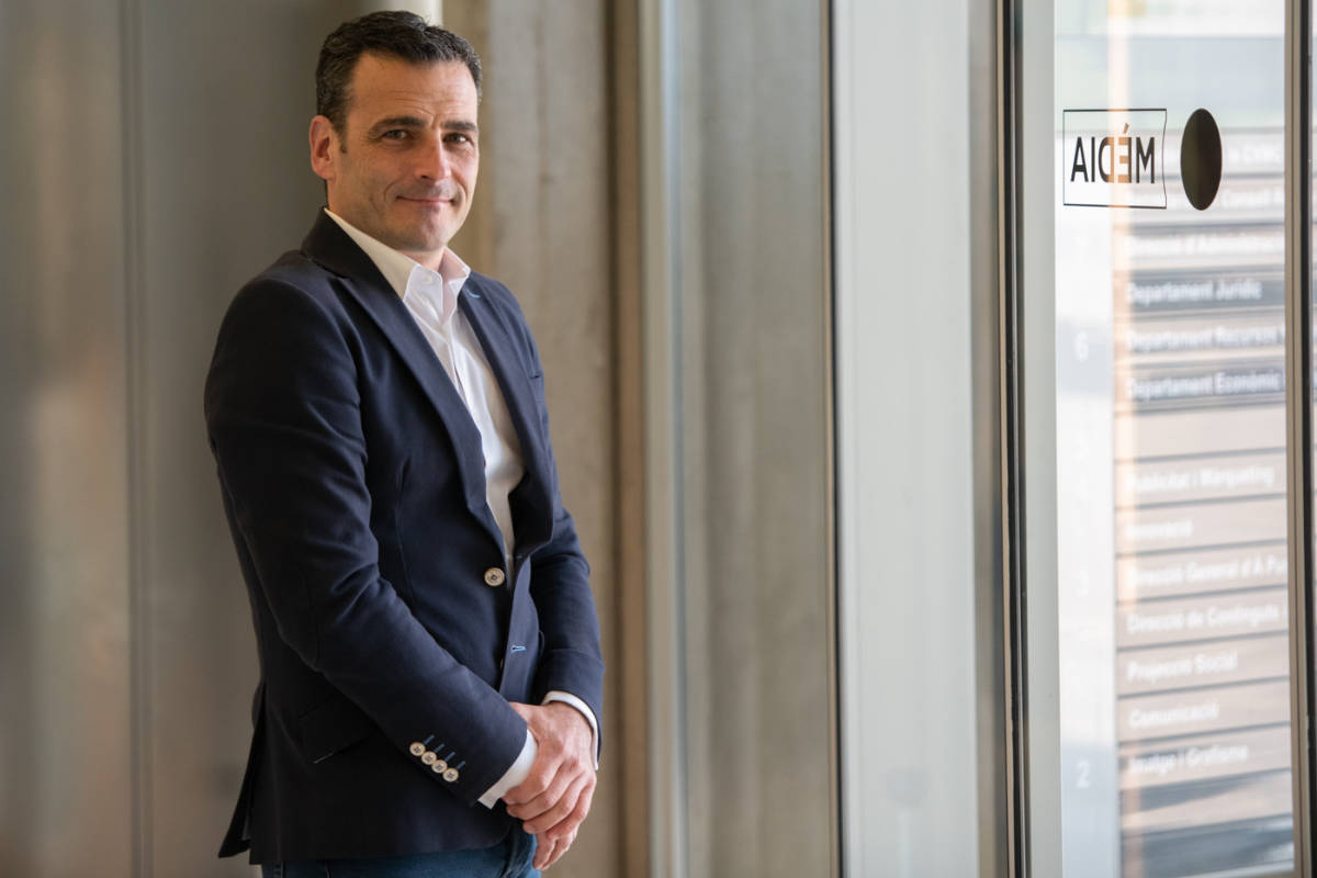 Alfred Costa en la sede de À Punt. Foto: KIKE TABERNER