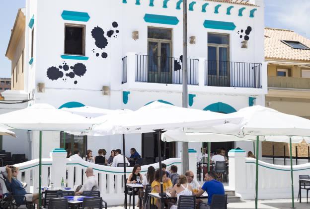 Vuelve La Chipirona Playa Con Nueva Ubicación En La Patacona Guía Hedonista