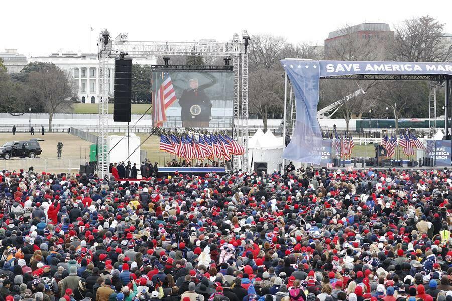 Mitin de Trump previo a la elección de Biden en el Congreso. Foto: EFE/SHAWN THEW