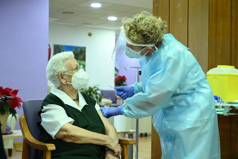 Empieza la distribución de las primeras vacunas de Moderna llegadas a España