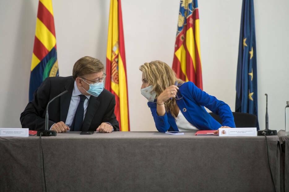 El presidente de la Generalitat, Ximo Puig, y la ministra de Transporte, Raquel Sánchez, juntos en un acto en Alicante.Foto: RAFA MOLINA