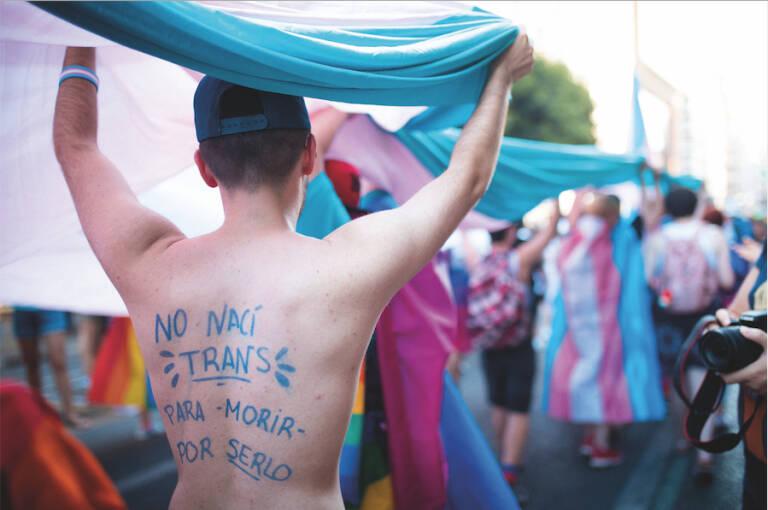 Te das queer? Kristin Suleng analiza el fondo del debate sobre la futura  Ley 'Trans' - Revista Plaza