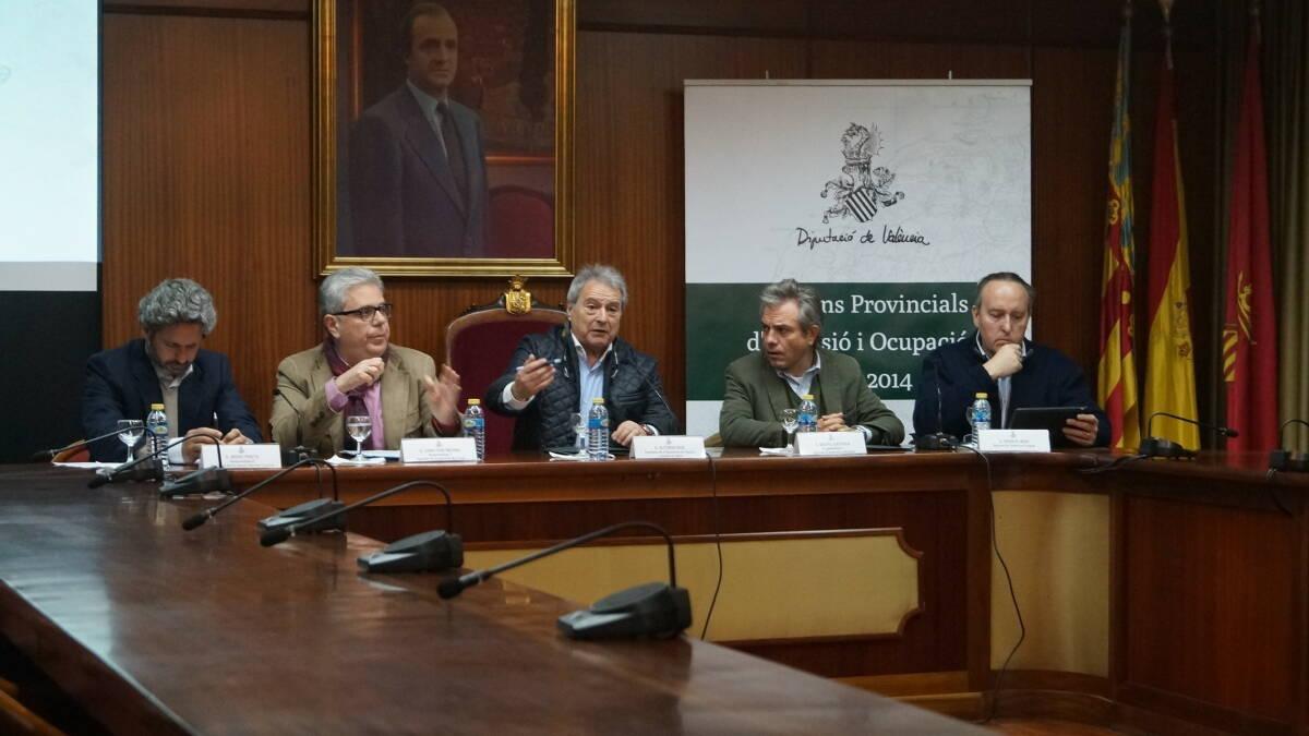 Alfonso Rus y Juan José Medina, en el centro.