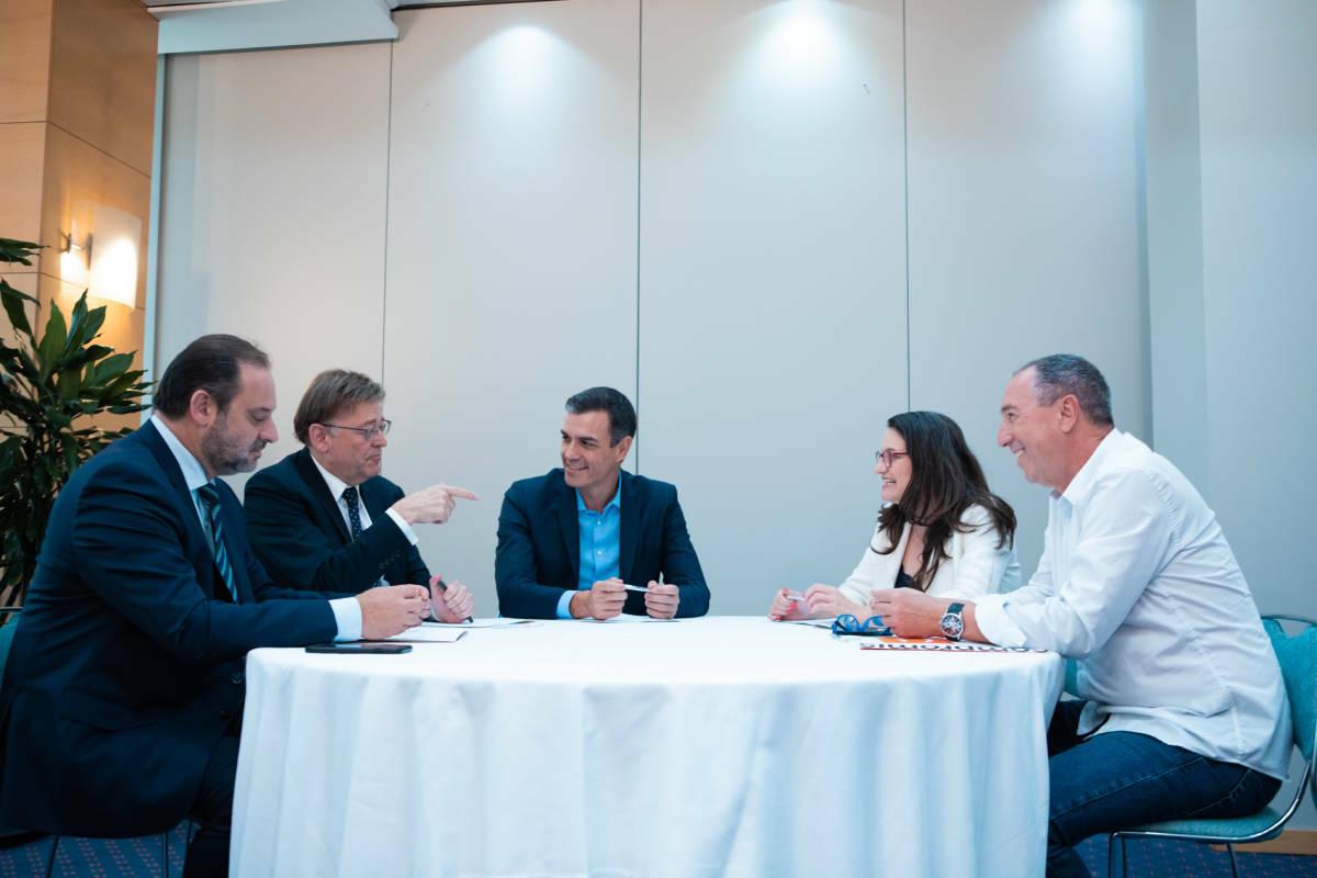 Ábalos, Puig, Sánchez, Oltra y Baldoví, en la reunión del 5 de agosto de 2019. Foto: ESTRELLA JOVER