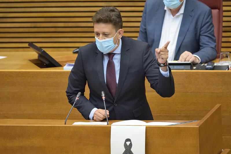 El portavoz de Sanidad del PP, José Juan Zaplana. Foto: INMA CABALLER/Corts