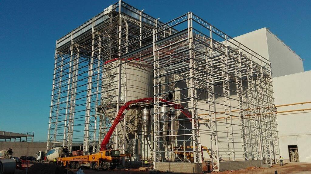 Construcción de una atomizadora en TAU