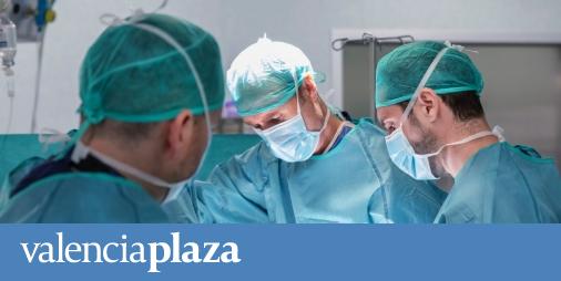 El ilicitano Ignasi Català, primerneurocirujano  en realizar una operación de cirugía lumbar pionera en España
